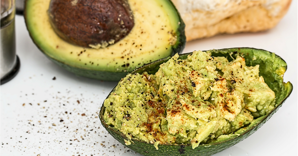 avocado-mashed-with-seasoning