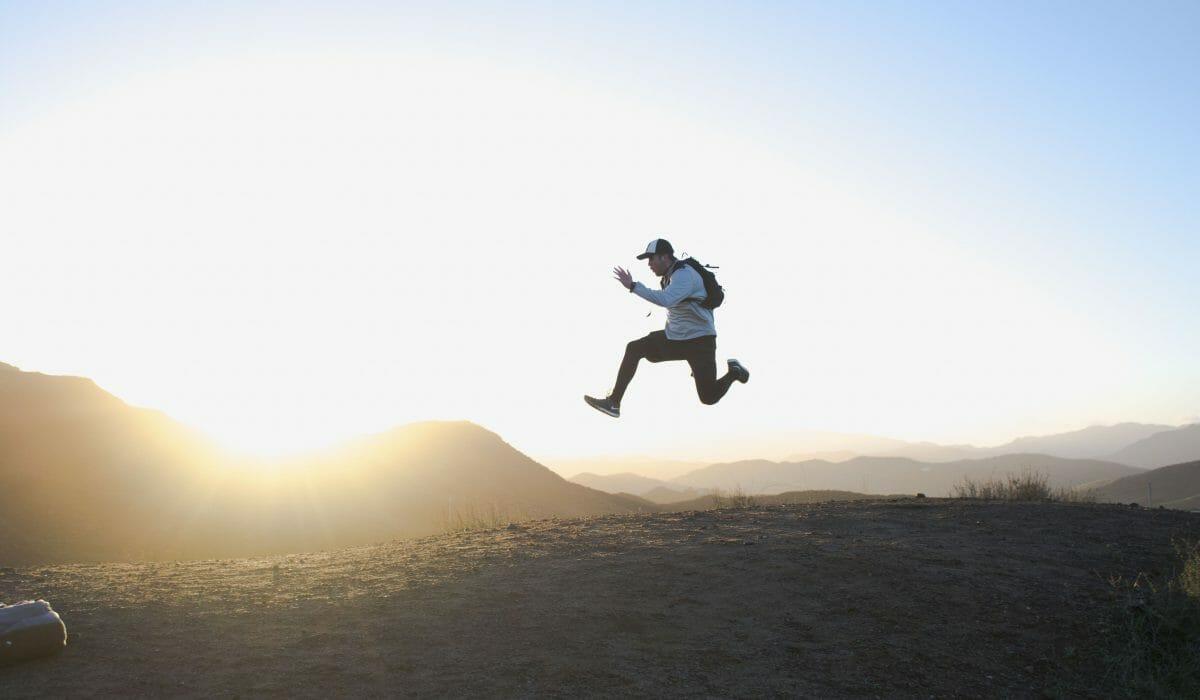 guy-run-jumping