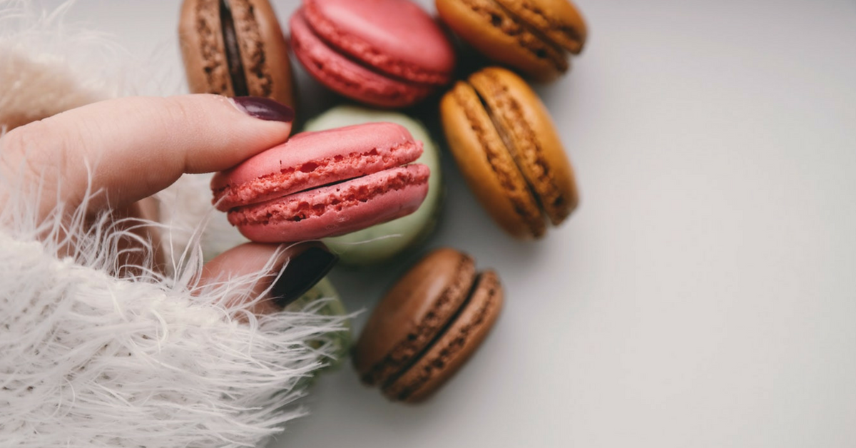 macaroons-in-womans-hands-1