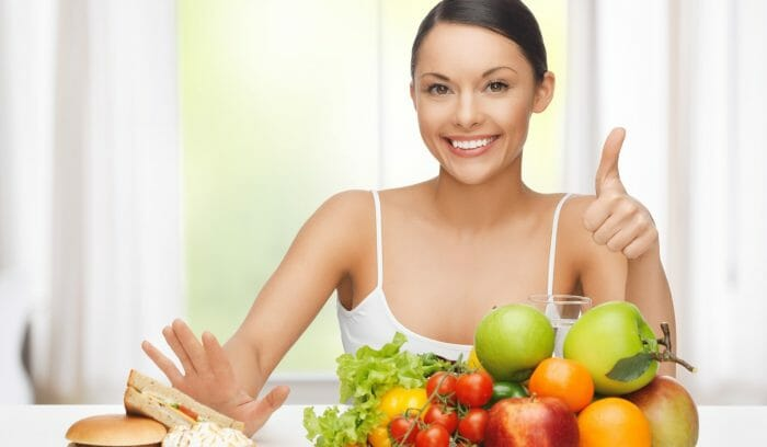 women-eating-healthy