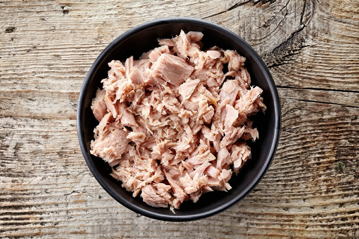 Canned-tuna-in-a-bowl-resized